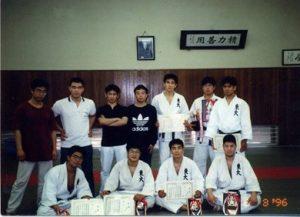 ↑大学3年時の東京国公立大会。個人中量級で優勝、団体では準優勝。西森先輩は写真下段の右から2番目。
